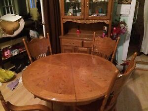 Solid Oak Dining Table, 6 Press Back Chairs and Hutch!!