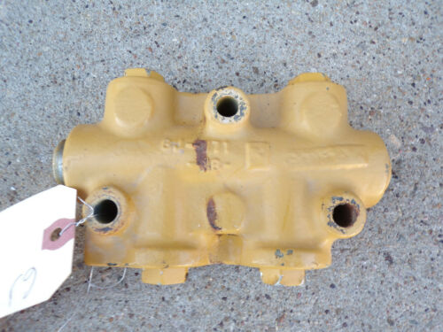 Caterpillar 637D 637 D Tractor Hydraulic Valve Body 6J-771 6J771
