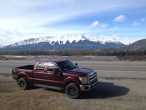 2011 f250 gas has210 000 km on it beautiful truck