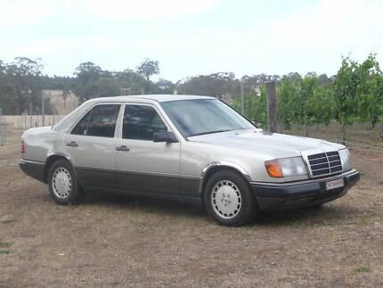 1988 Mercedes-Benz 260E