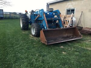 Tractor for sale FORD 3930