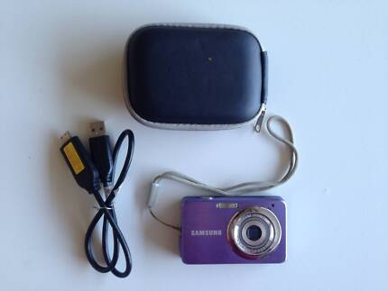 Rechargeable samsung digital camera
