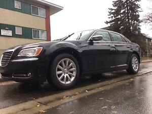 2012 CHRYSLER 300 LIMITED LEATHER LOADED LIKE NEW