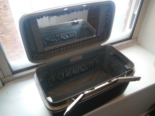 Vintage SAMSONITE Silhouette Gray Makeup Train Case Hard Luggage W/ 3 Keys TRAY - $29.00