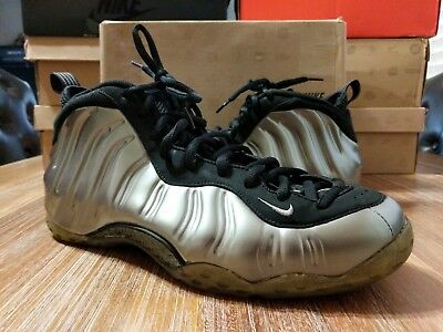 Nike FOAMPOSITE ONE PEWTER SILVER BLACK Size 12 pre-owned Clean!!