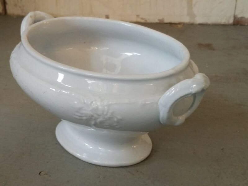 Antique ENGLISH ENGLAND IRONSTONE porcelain TUREEN oval casserole individual old