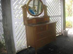 Dressing table /Duchess Tallegalla Ipswich City Preview