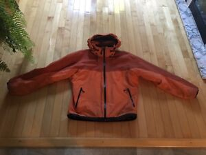 Arc'teryx Fission SV, Medium Homme, fabriqué au Canada