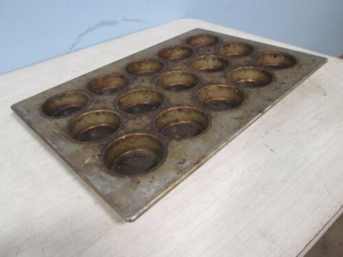 """""""AMERICAN PAN 03035"""" H.D. COMMERCIAL LARGE MUFFINS/CUPCAKES STEEL BAKING PANS"""