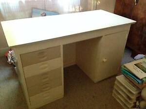 Desk with drawers Toronto Lake Macquarie Area Preview
