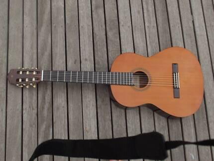 Acoustic Guitar Yamaha CG-100 (Classical - 6 String Nylon) Highett Bayside Area Preview