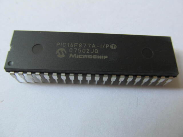 Microchip PIC16F877A-I/P IC MCU 8BIT 14KB FLASH 40DIP