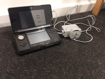 Nintendo 3DS  with charging dock