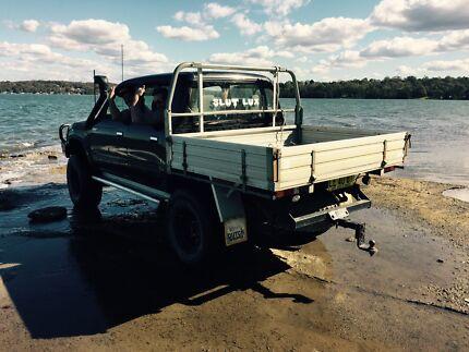 03 TURBO DIESEL SR5  TOYOTA HILUX BLACK DUEL CAB MAY SWAP Morisset Lake Macquarie Area Preview