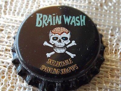 BRAIN WASH BOTTLE CAP UNUSED * PLASTIC INSERT * UN-CRIMPED * SKULL & (Wash Bottle Cap)