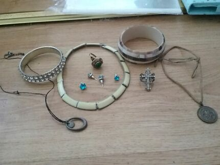 Small assorted bag of jewlery Woodberry Maitland Area Preview