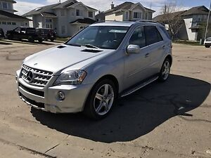 Mercedes Benz ML550 AMG - 382 hp, 7 spd, Nav, Backup Cam