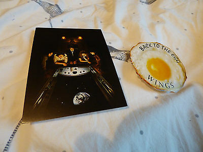 PAUL McCARTNEY & WINGS - OFFICIAL 'BACK TO THE EGG' PROMO POSTCARD + STICKER