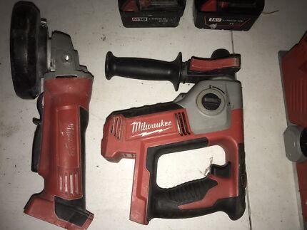 Milwaukee 18v planer, grinder , rotary hammer drill + 2 batteries