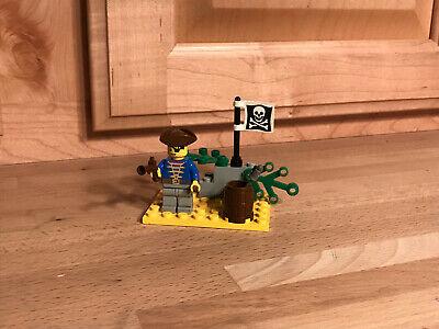 Vintage LEGO Pirate set