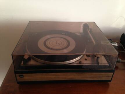 DUAL 1214 Turntable/Record Player