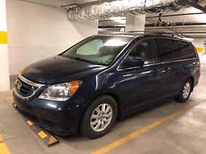2010 Honda Odyssey EX-L RES - Top of the Line. DVD System