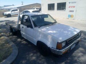 Mazda b2600 minitruck needs to go asap