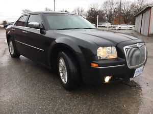 CERT 2010 CHRYSLER 300 NEVER WINTER DRIVEN NO RUST!