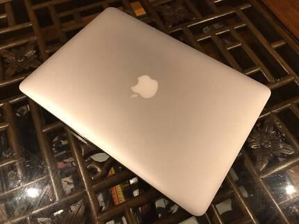 2015 Apple Macbook Pro Retina 128gb (Silver)