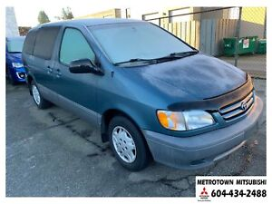 2001 Toyota Sienna CE; Local & No accidents!