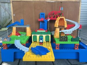 Mega blocks/Duplo sets
