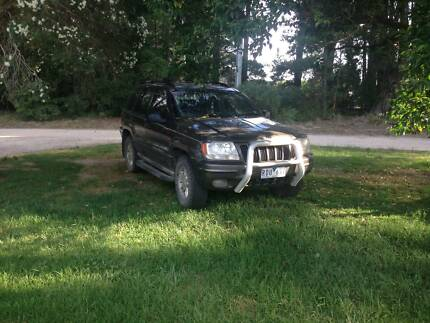 2001 jeep cherokee limited v8
