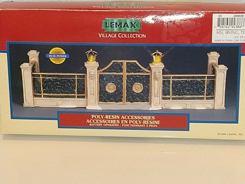 1999 LEMAX Village Collection Lighted Victorian Gated Fence Set of 5 NEW