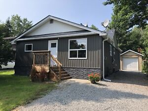 Beautiful Bungalow By The Lake! - Innisfil