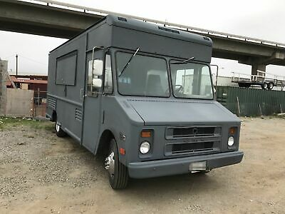 Fully-equipped Gmc Step Van Kitchen Food Truck Used Mobile Kitchen For Sale In