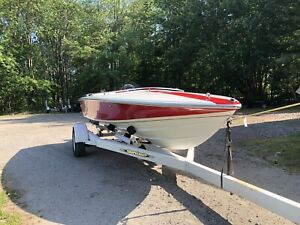 Donzi Marine | Buy or Sell Used and New Power Boats & Motor