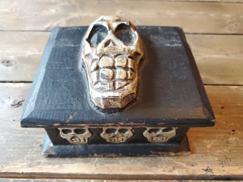 Antique 1800s Haitian Dybbuk Voodoo Haunted Skull Witchcraft Ritual Box