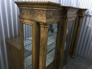 Excellent condition French carvings handmade armoire solid wood