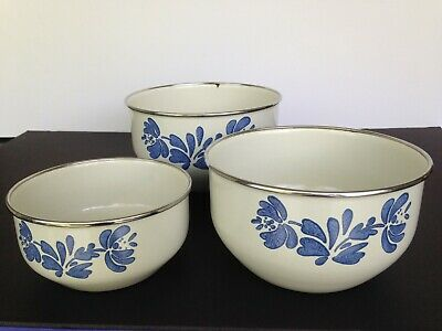 Pfaltzgraff Yorktowne enamel metal bowl set of 3 nesting mixing bowls blue/white