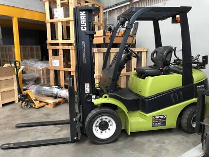 Used 2010 Clark 2.5T Gas Forklift   - 101508