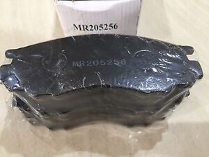 Brake Pads ( brand new ) MR205256 suits Mitsubishi Eden Hill Bassendean Area Preview