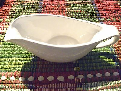 Better Homes and Gardens limited edition 2016 white gravy boat UNUSED