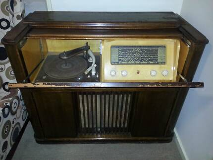 Vintage Phillips Radiogram Record Player Keilor Downs Brimbank Area Preview