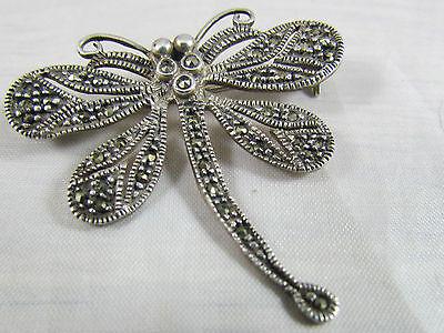 zauberhafte Libelle aus 925er Silber mit Markasit Steinen besetzt