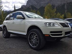 2007 VW Touareg Execline V8 - WINTER READY Fully Loaded LOW KMS