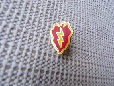 US ARMY 25TH INFANTRY DIVISION HAT/LAPEL PIN ()