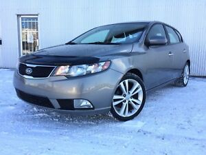 2012 Kia Forte 5-Door SX, LEATHER, SUNROOF, HEATED SEATS.