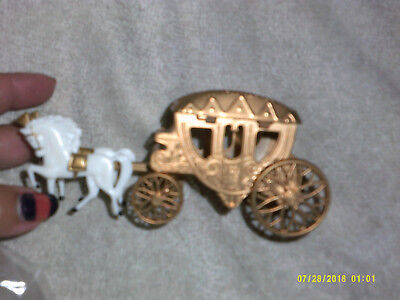 Cinderella Collectible*Gold COACH with White HORSES*Plastic*Cake Decor*Party*NEW