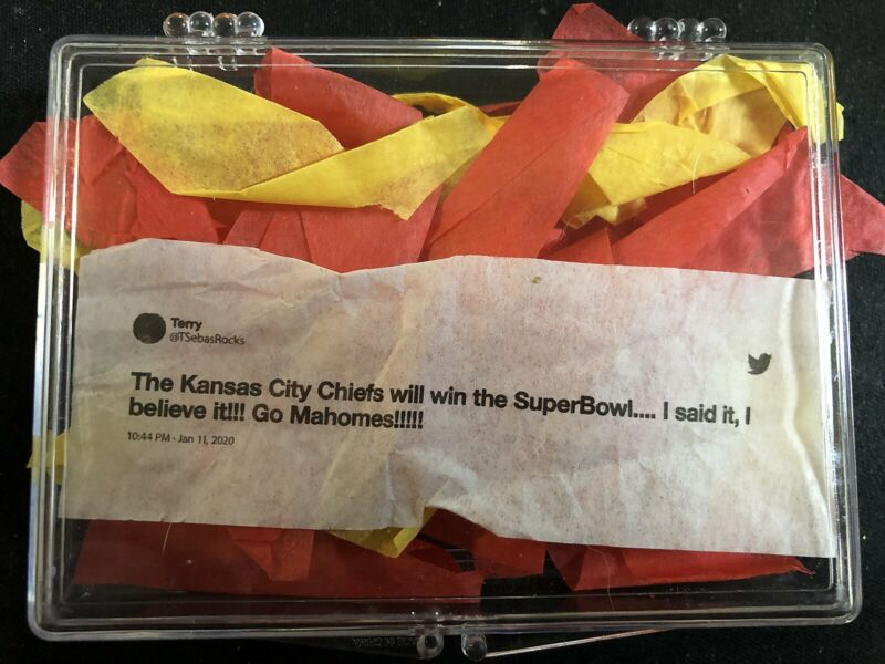 SUPER BOWL LIV CONFETTI KANSAS CITY CHIEFS WIN SB 54 GO MAHOMES TWEET