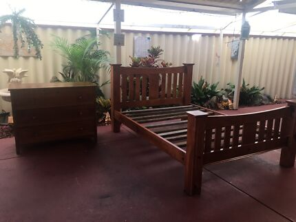 WOOD QUEEN BED FRAME AND CHEST OF 3 DRAWS